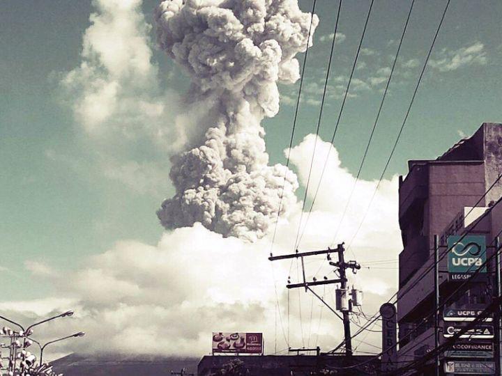 Explosão em vulcão nas Filipinas