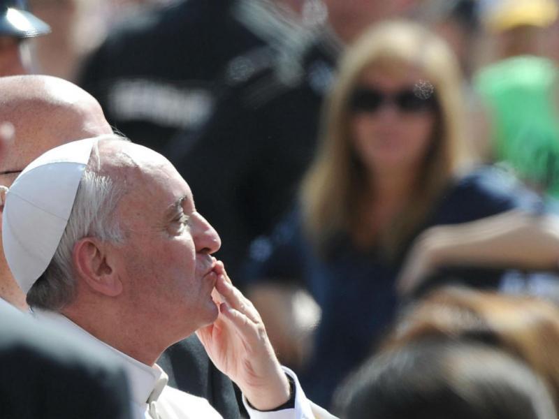 Este Papa é um querido (EPA/Maurizio Brambatti)