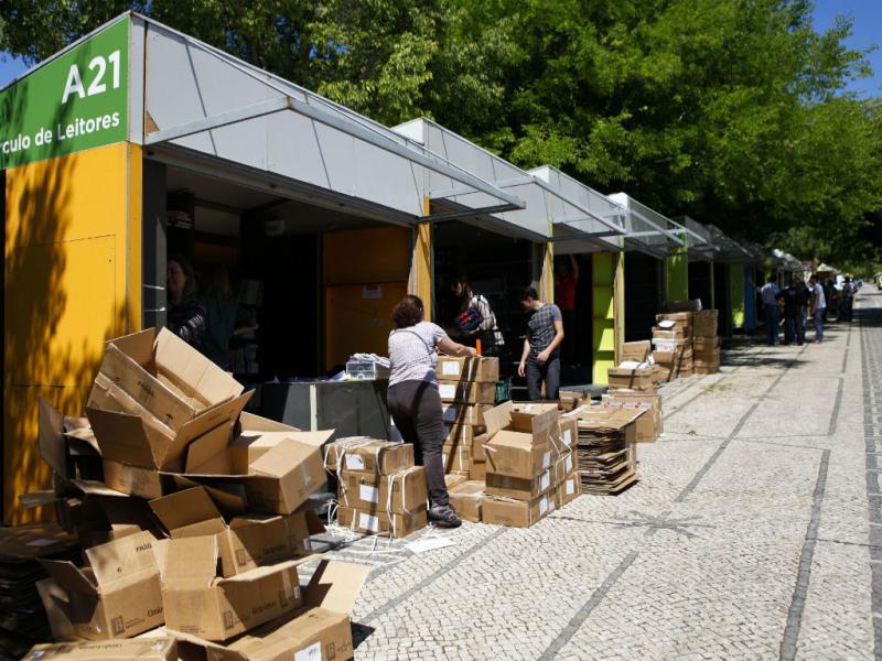 Preparativos para a 83ª Feira do Livro de Lisboa (Lusa/Miguel A. Lopes)