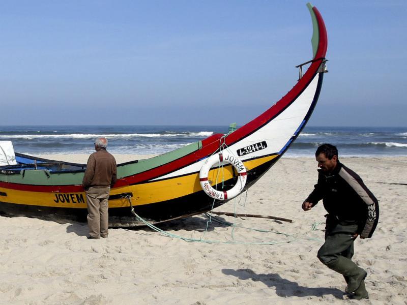 Ovar: dois mortos em naufrágio de barco xávega (Lusa/José Coelho)