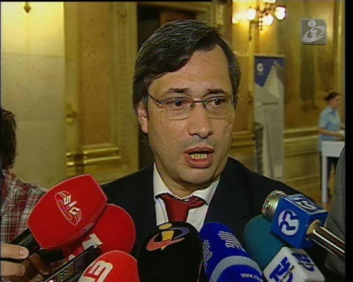 Maioria propõe novo texto para lei de indemnizações por despedimento