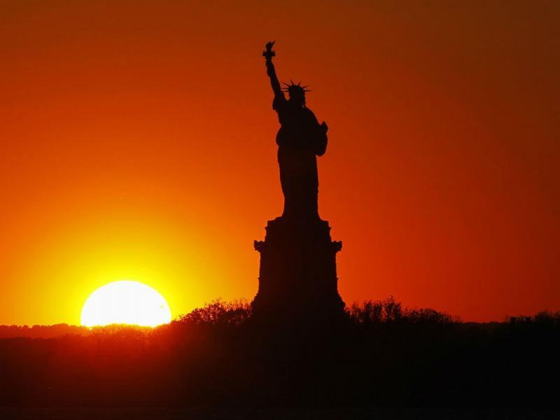 A estátua da Liberdade vai reabrir ao público dia 4 de Julho, após arranjar estragos do furacão Sandy (REUTERS/Gary Hershorn)