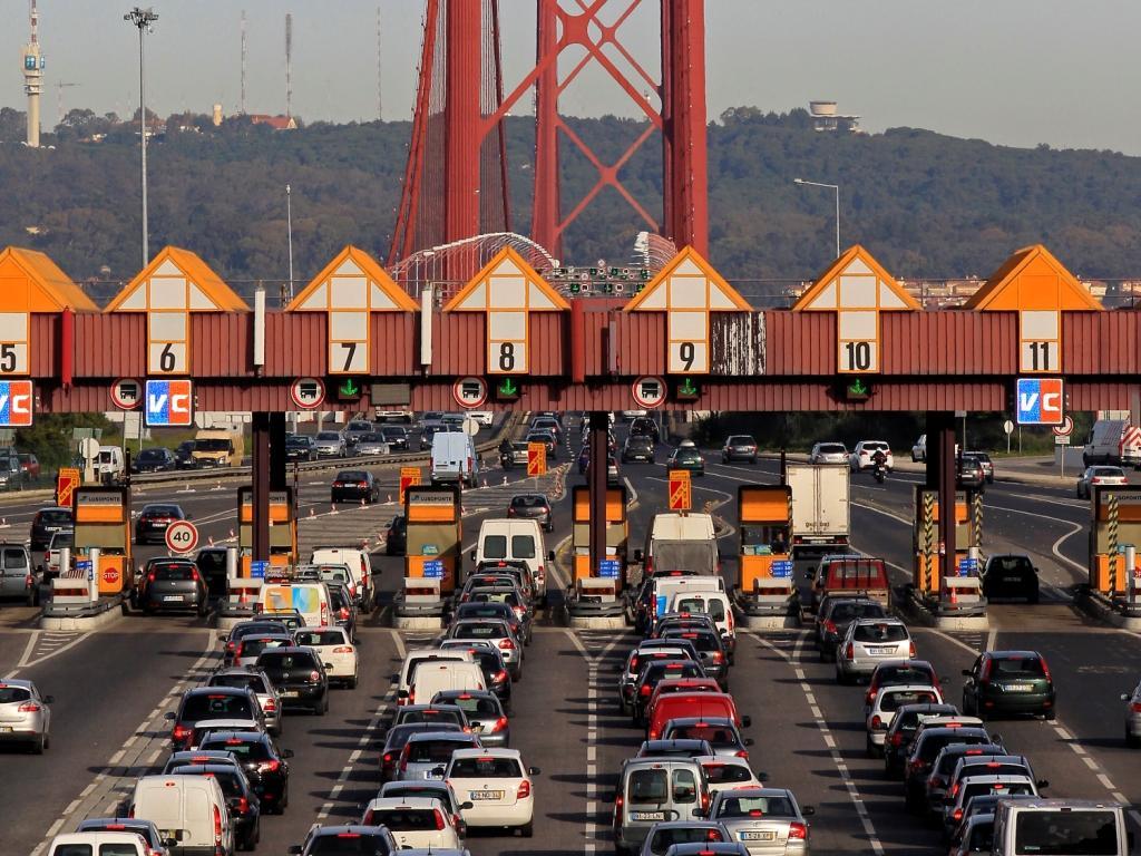 Ponte 25 de Abril (Reuters)