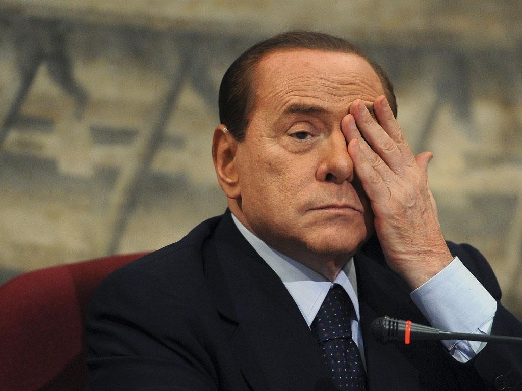 Silvio Berlusconi foi expulso do Senado italiano em novembro após ter sido condenado pela justiça italiana a 7 e 4 anos por abuso de menor e fraude