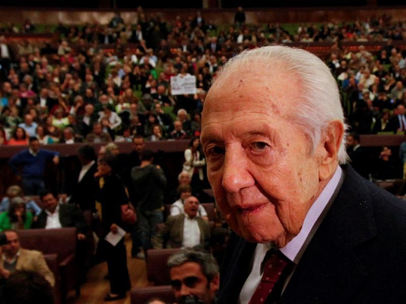 Mário Soares em conferência sobre 2 anos da Troika (Reuters)