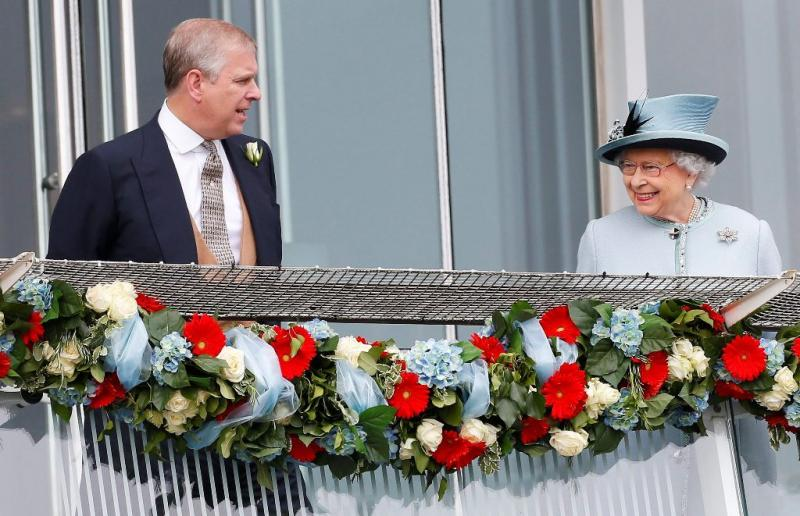 Príncipe André e Rainha Isabel II - Corrida de cavalos Epsom Derby Foto: Reuters