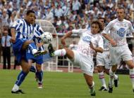 15/6/2003: Com um golo de Derlei, o F.C. Porto termina uma temporada de sonho conquistando a Taça de Portugal diante do U. Leiria (Reuters/José Manuel Ribeiro)