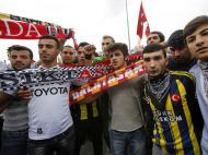 Turquia: adeptos unidos contra Erdogan