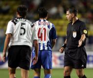 27/8/2004: no Mónaco, o F.C. Porto perde com o Valência, por 2-1 e volta a não ser feliz na Supertaça Europeia (Reuters/Philippe Wojazer)