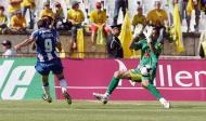 31/5/2009: Lisandro Lopez marca o seu último golo pelo F.C. Porto, decidindo a final da Taça com o Paços Ferreira, na dobradinha dos dragões (Reuters/Nacho Doce)