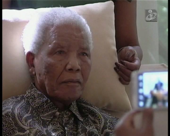Mandela mantém-se em estado grave, mas estável