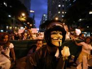 Manifestantes invadem Assembleia do Rio de Janeiro (EPA)