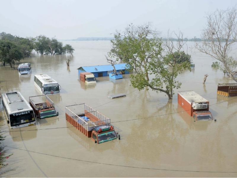 Cheias na Índia (Reuters)