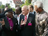 Mandela: com Desmond Tutu, na candidatura ao Mundial 2010