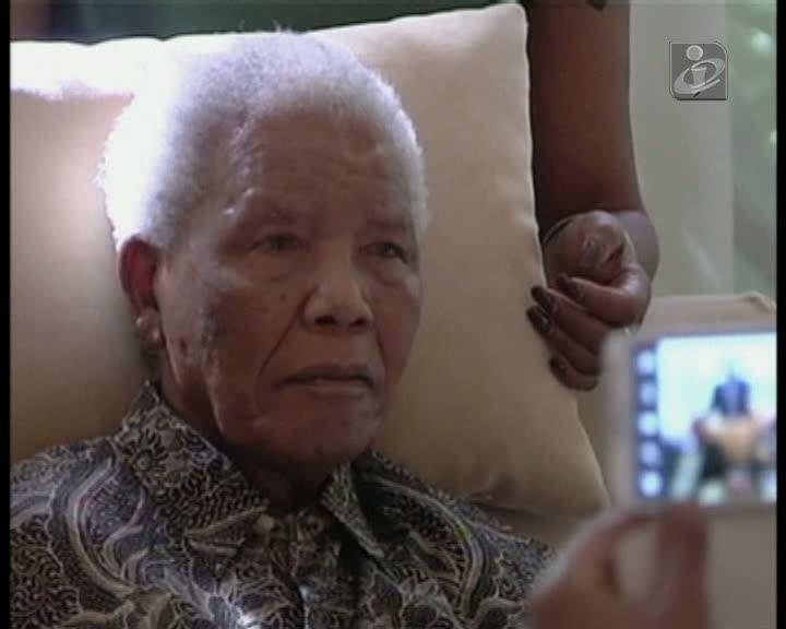 Família de Mandela reunida para discutir «questões delicadas»