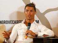 Ronaldo na Indonésia (EPA/MADE NAGI)