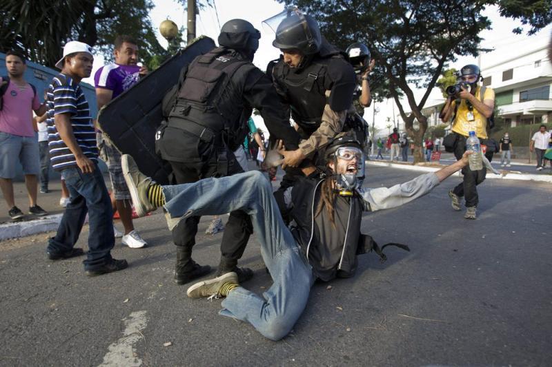 Confrontos em Belo Horizonte (EPA)