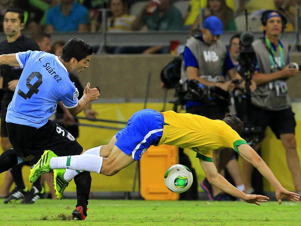 Brasil vs Uruguai [EPA/Robert Ghement]
