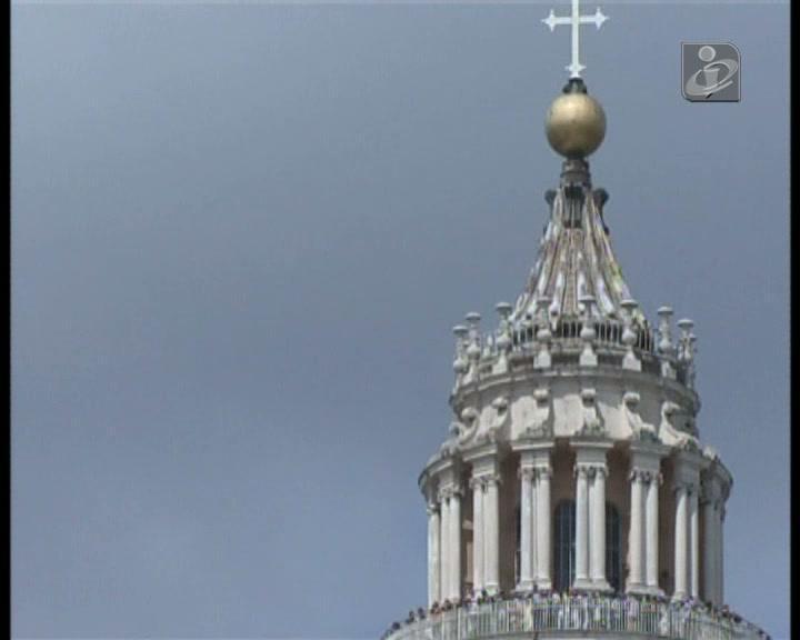 Novo escândalo no Vaticano