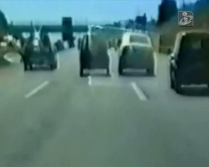 Imagens de excessos na estrada