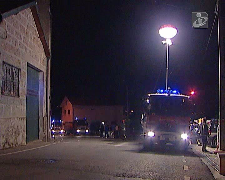 Incêndio destrói fábrica em Guimarães