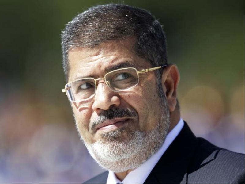 Mohamed Morsi, ex-presidente do Egito, foi deposto por golpe militar em julho e aguarda julgamento, previsto para o início de 2014. País não quis seguir o caminho da Irmandade Muçulmana (REUTERs)