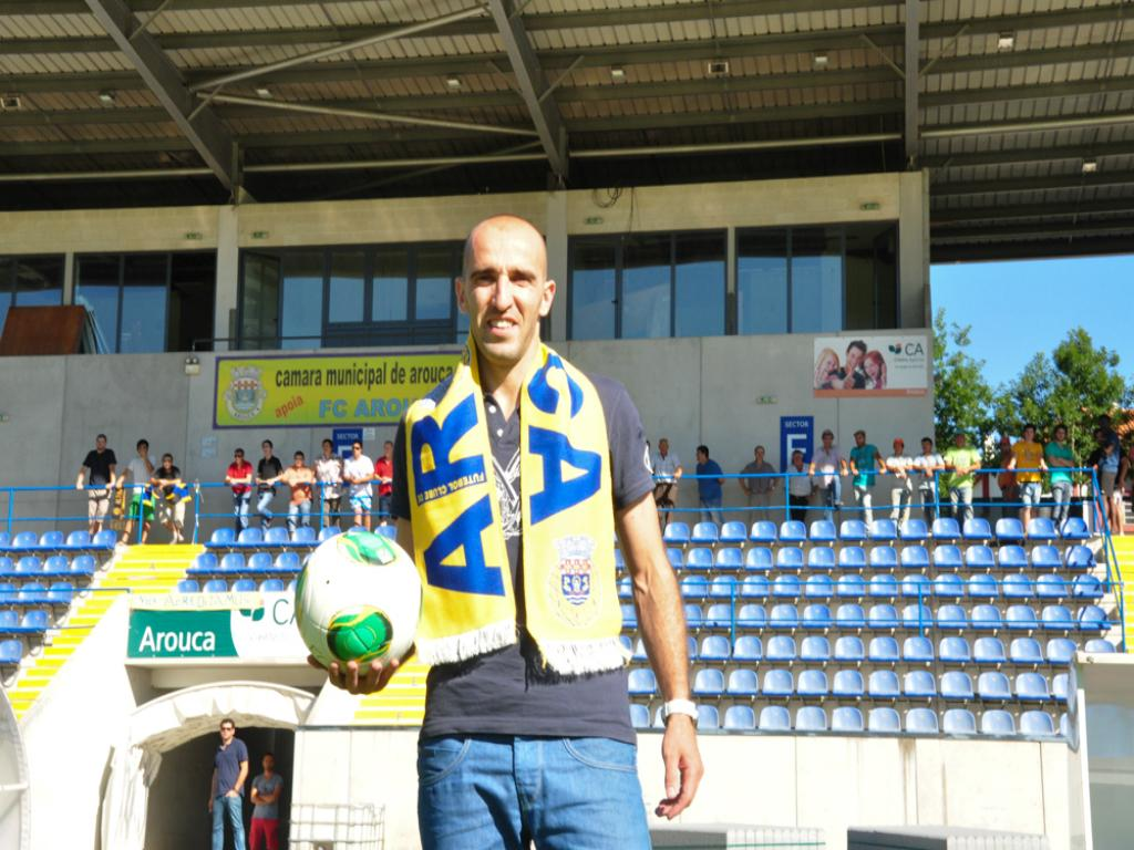 Bruno Amaro apresentado no Arouca (Foto: FC Arouca)