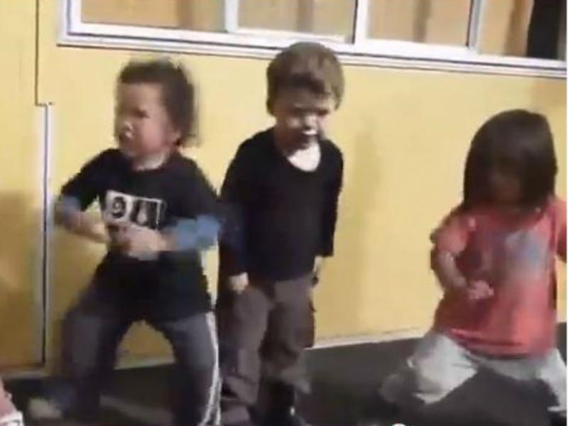 Crianças a fazer dança Haka (Youtube/Reprodução)