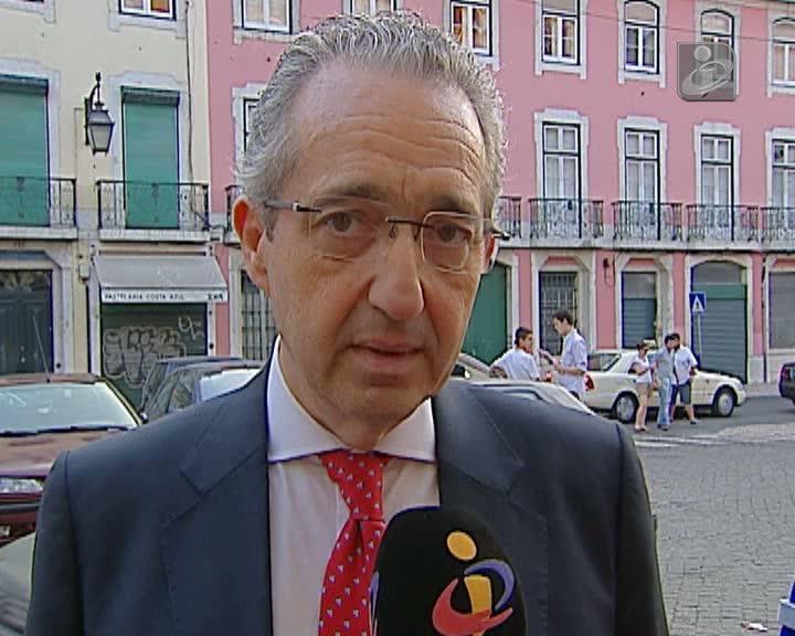 Ribeiro e Castro espera ser esclarecido sobre situação política