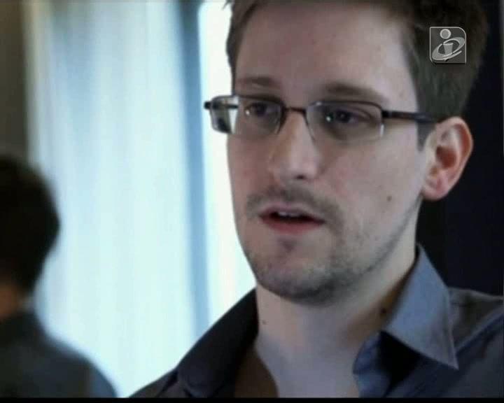 Snowden ainda não decidiu para onde vai