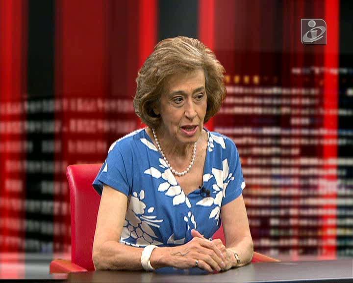 Manuela Ferreira Leite critica proposta de Governo de Passos Coelho