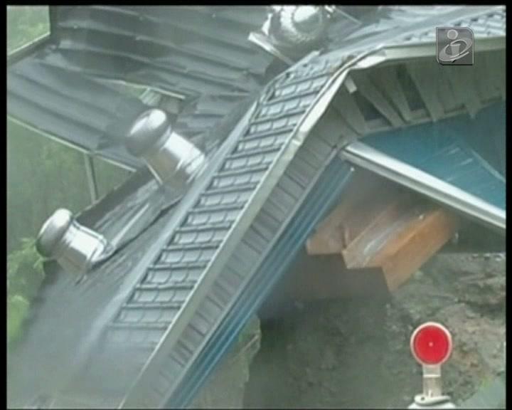 Tufão em Taiwam com ventos a 175 km/hora