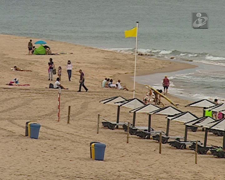 Banhos desaconselhados na praia de Carcavelos e na Torre