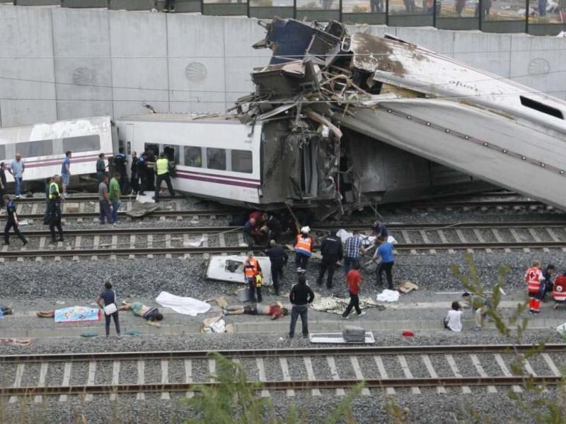 Descarrilamento de comboios Galiza (EPA/LUSA)