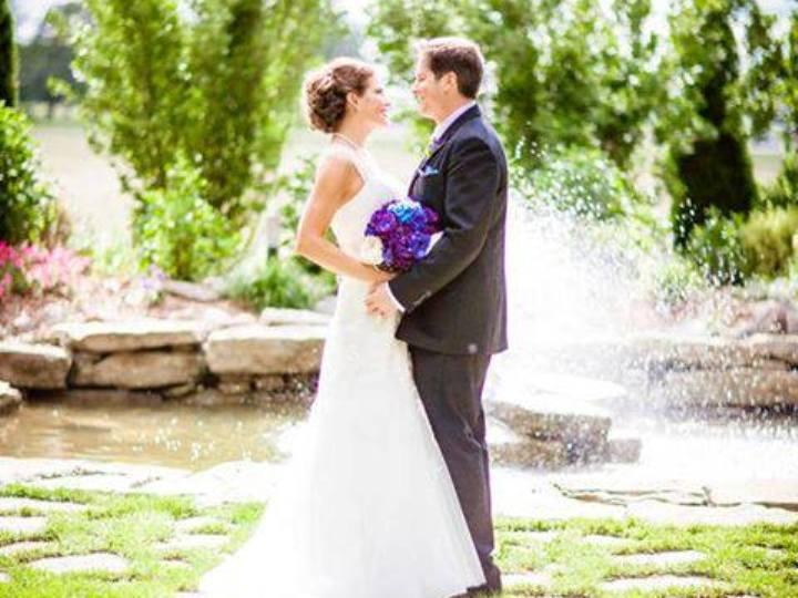Casaram-se depois de se conhecerem numa rede social