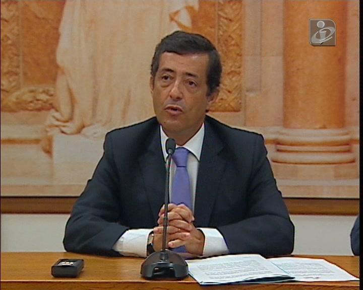 PS, PCP e BE pedem demissão da ministra das Finanças
