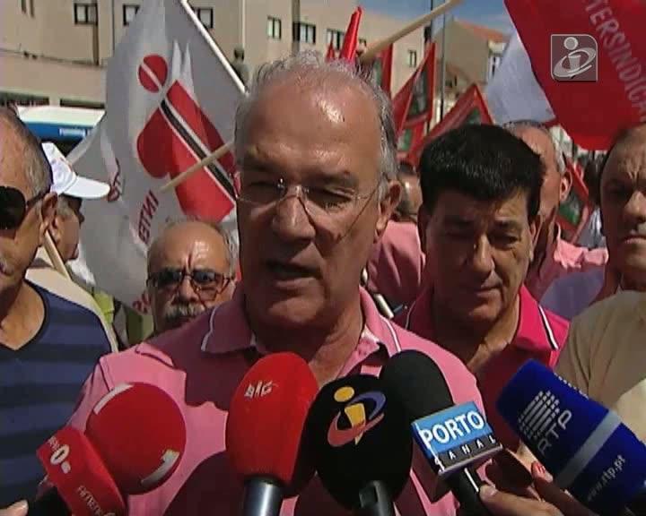 CGTP defende demissão da ministra das Finanças