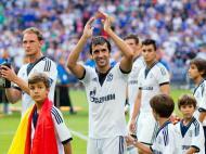 Schalke homenageia Raúl