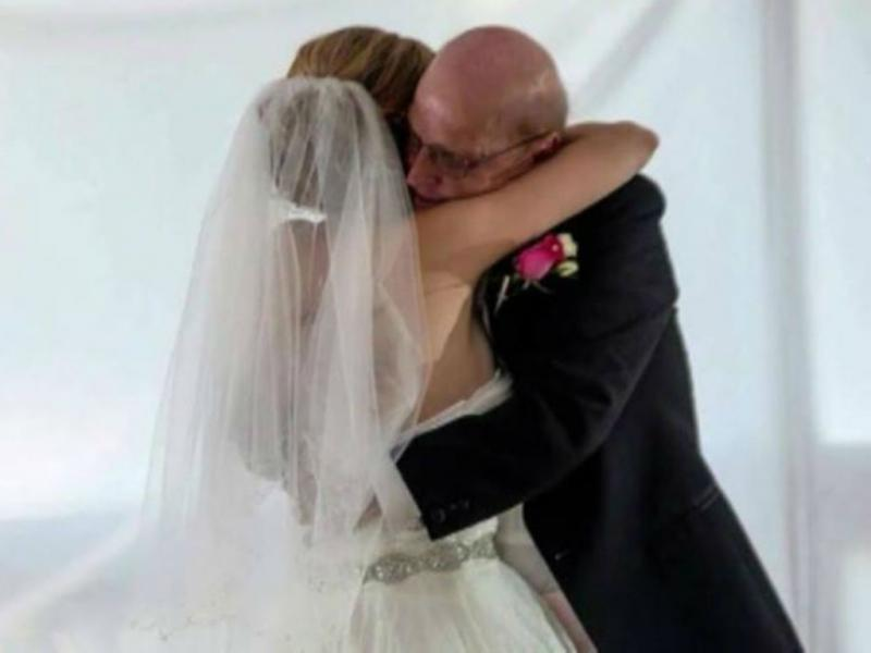 Jovem organiza casamento falso