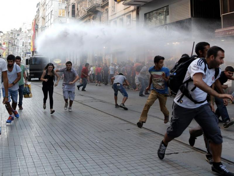 Violência policial de regresso à Turquia (Lusa)