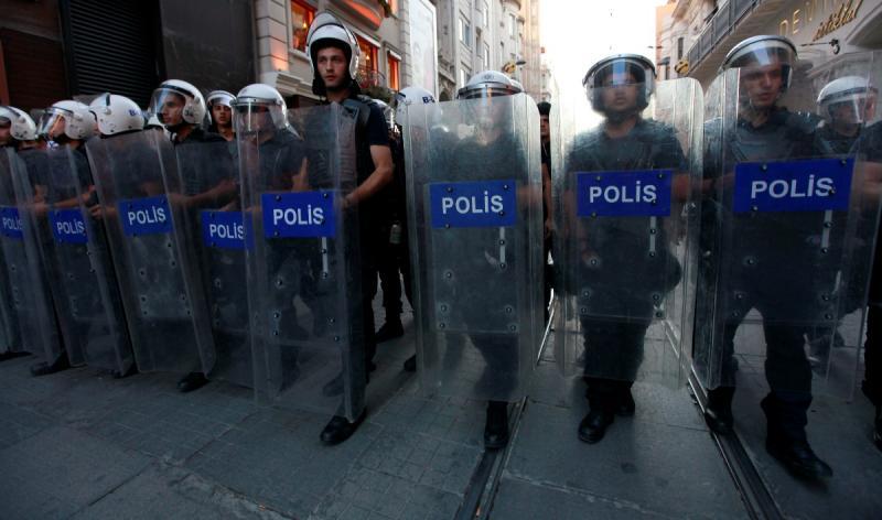 Violência policial de regresso à Turquia (Reuters)