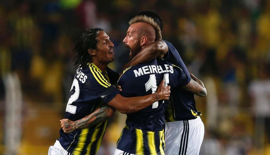 Raul Meireles marcou no Fenerbahçe-Salzburgo (LUSA)