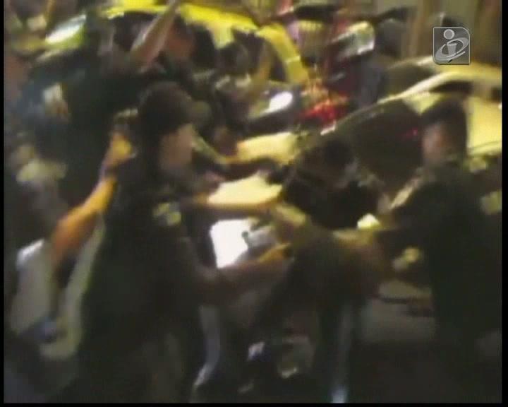 Protesto de professores acaba em confrontos