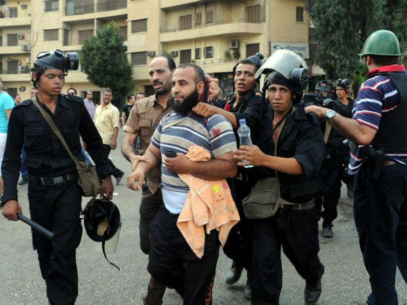 Caos e violência nas ruas do Cairo (Lusa)
