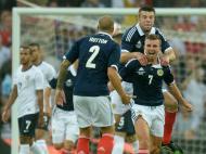 James Morrison celebra no Inglaterra-Escócia (LUSA)