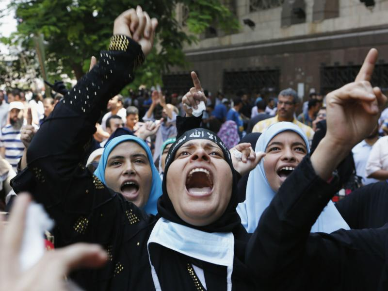 Confrontos voltam ao Egito no «Dia da Raiva» (Reuters)