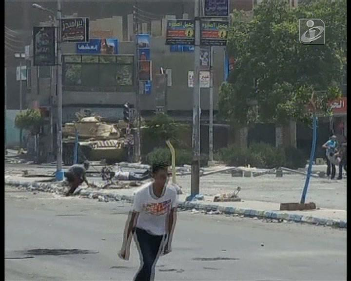 Vídeo mostra homem a ser baleado no Egito