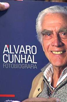 Os livros de Marcelo Rebelo de Sousa «Álvaro Cunhal - Fotobiografia»