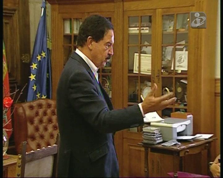 Fernando Ruas acusado de «comprar» votos