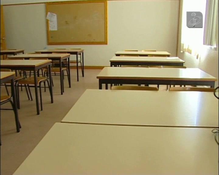 Escola vai ter mais alunos por turma e um terço de professores a menos